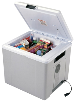 32 Voyager Midsize Quart Cooler P-27